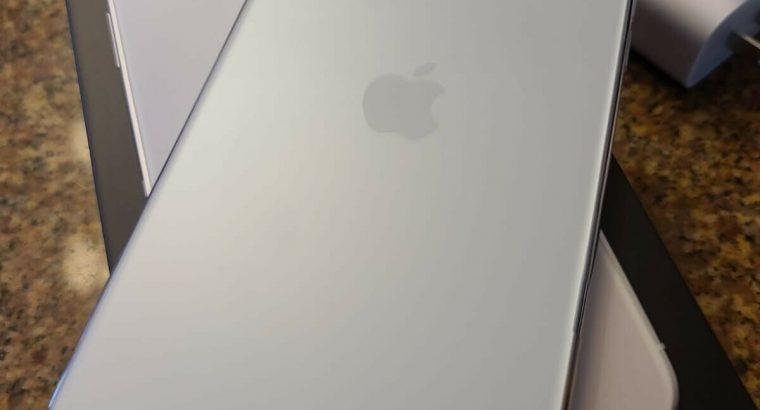 Apple iPhone 11 Pro Max – 256GB – Silver (Unlocked
