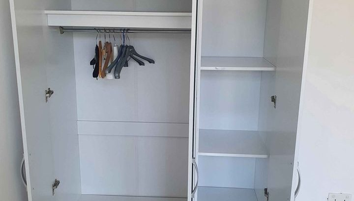 Selling 3 door wardrobe