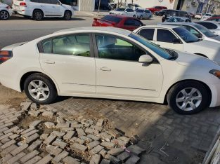 Nissan altima mint condition for sale 2008 model