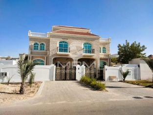 Private Villa | 5Bed, 6Bath | Balcony | 2 Chqs
